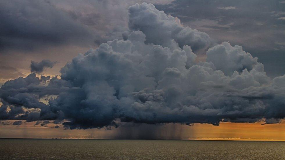 Co zwiastuje mgła? O czym świadczą chmury? Sami możemy przepowiadać pogodę!