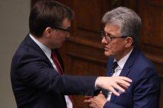 Zbigniew Ziobro, minister sprawiedliwości ( z lewej) domaga się od prokuratorów zdecydowanych kroków wobec sędziny ze Szczecina. Minister ma poparcie posłów PiS w sprawie reformy sądownictwa.