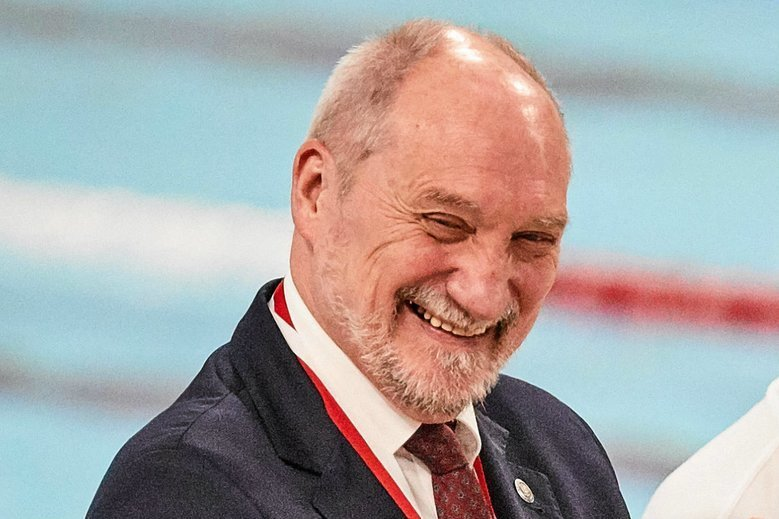 Antoni Macierewicz obchodzi 70. urodziny. Z tej okazji przemówienie pochwalne wygłosił sam prezes PiS Jarosław Kaczyński.