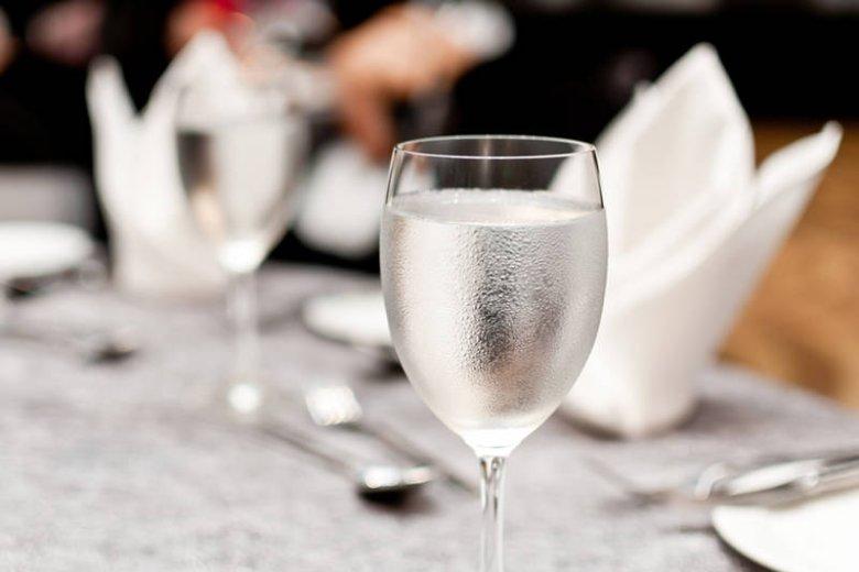 Restauratorzy, czas na bezpłatną wodę