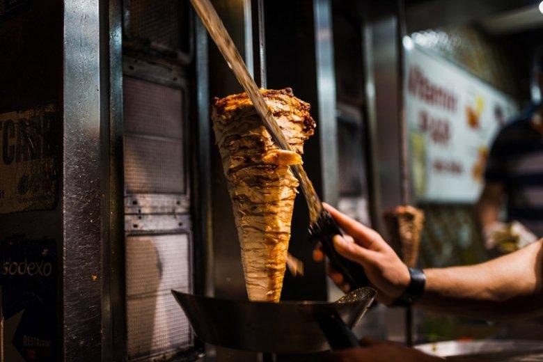 Z kebabami w Polsce nie jest najlepiej. Dowiodła tego Inspekcja Handlowa i potwierdzają sami pracownicy barów.