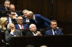 W nocy Sejm głosował m.in. nad projektami o podniesieniu akcyzy i 30-krotności składek na ZUS.