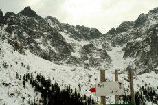 Zimą wejście na najwyższy szczyt w polskiej części Tatr wymaga specjalnego sprzętu.