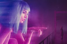 """Sequel """"Łowcy Androidów"""" to wspaniałe widowisko, które nie zaniedbuje też naszego umysłu."""