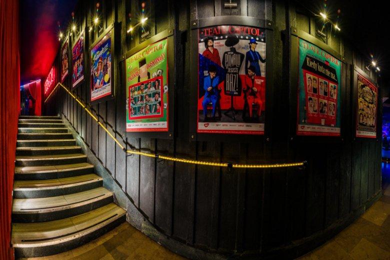 Coraz więcej instytucji kulturalnych, w tym teatry, uczestniczy w programach lojalnościowych, dzięki którym klienci płacący za bilety kartą bankową mogą otrzymać atrakcyjne zniżki