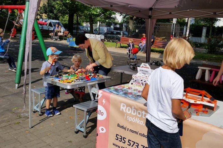 Atrakcje dla dzieci to ważny element wyprawy na Targ Śniadaniowy i gwarancja, że nie trzeba będzie nerwowo szukać placu zabaw