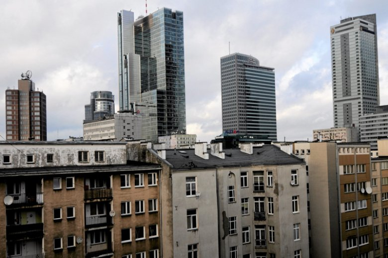 Nad Wisłę za chlebem. Polacy emigrują, a Hiszpanie, Włosi i Portugalczycy walczą o pracę w Polsce