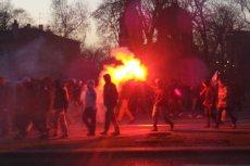 Marsz Niepodległości jak zwykle skończył się burdami.