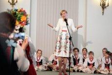 Agata Duda na spotkaniu z kobietami wystąpiła w kwiecistej sukience