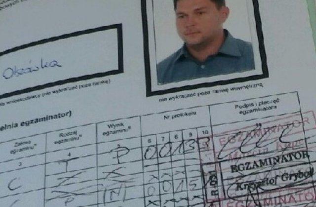 Prokuratura bada, czy poseł PiS Piotr Olszówka dał łapówkę za prawo jazdy