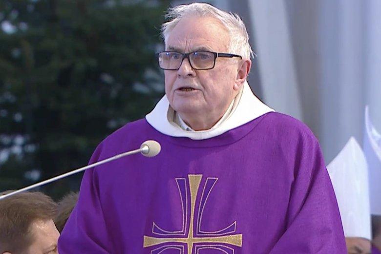 O. Ludwik Wiśniewski na pogrzebie Pawła Adamowicza wezwał do skończenia z nienawiścią. Dostał gromkie oklaski.