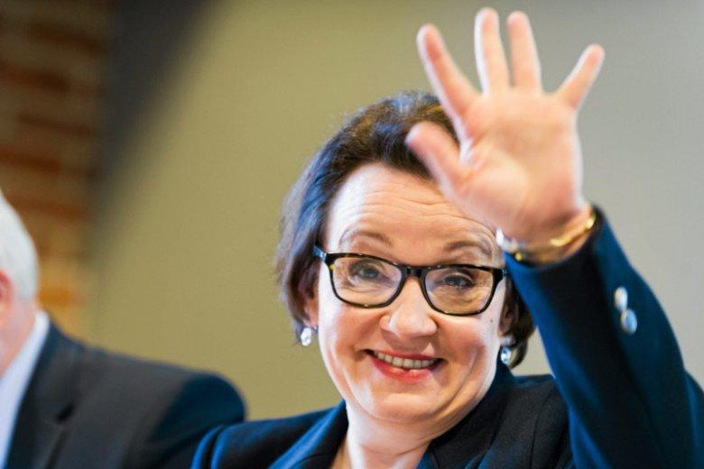 """""""Arogancja level hard"""". Minister Zalewska odwiedziła Sieradz i dała mieszkańcom taką lekcję, że aż zawrzało"""