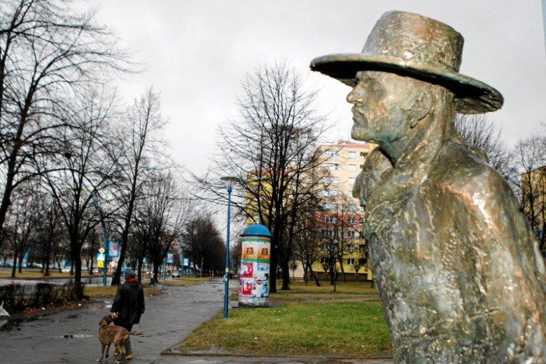 Ryszard Riedel zmarł 30 lipca 1994 r. W 2011 r. w Tychach, w pobliżu Urzędu Miasta, koło przystanku, z którego odjeżdżał do Katowic, stanął jego pomnik.
