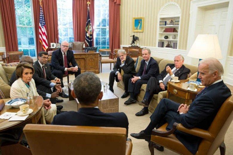 Amerykańskim politykom udało sięporozumieć i zakończyć government shutdown. Przynajmniej na 4 miesiące.