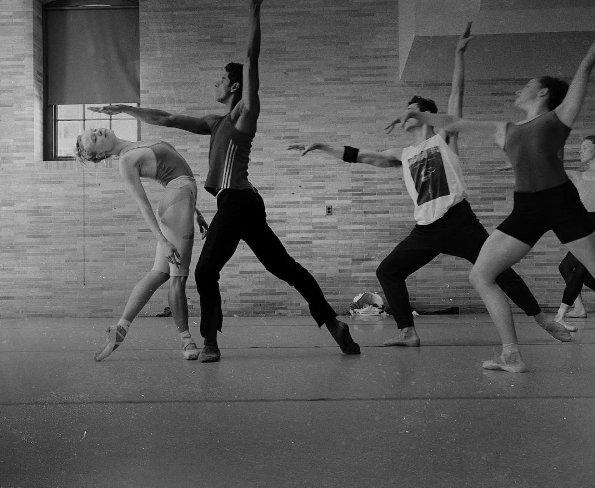 Sara Mearns, solistka New York City Ballet, jest bardzo aktywna na Instagramie, gdzie odczarowuje wyobrażenia o życiu tancerek.