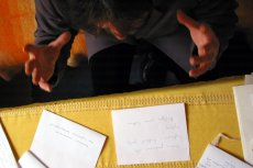 Zapytaliśmy grafologów i psychografologów o to, co mówi o nas charakter pisma.