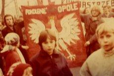 """Jerzy Golczuk był najmłodszym więźniem politycznym w stanie wojennym. Teraz kolega z opozycji, broniąc posła Piotrowicza, napisał mu, że jest """"pos*anym skur*ysynem""""."""