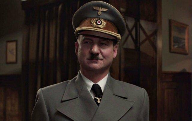 Robert Więckiewicz w roli Adolfa Hitlera