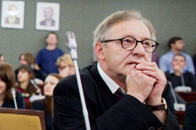 Czy prof. Lech Morawski nie będzie mógł liczyć na wsparcie swojego politycznego zaplecza w sprawie pociągnięcia go do odpowiedzialności karnej za wypadek na A1?