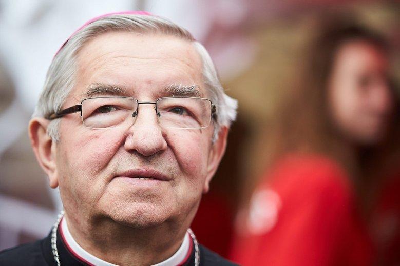 Abp Sławoj Leszek Głódź stosuje wobec księży i zakonnic przemoc psychiczną – mówi naTemat były duchowny Piotr Szeląg.