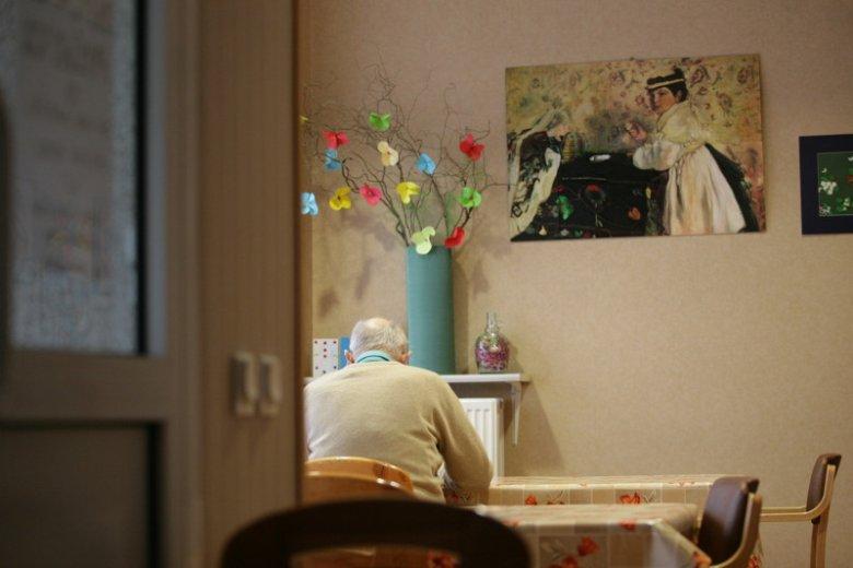 Pierwsze objawy alzheimera można pomylić z demencją starszą
