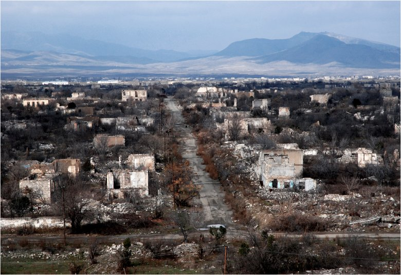 Ruiny ciągną się kilometrami.