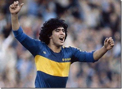 Diego Maradona za czasów gry w Boca