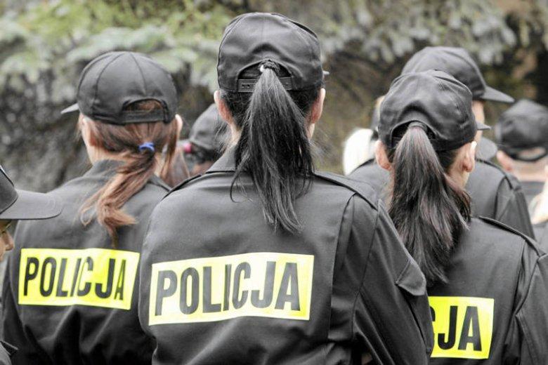 Aż 77 proc. policjantów jest zdania, że w służbach mundurowych zatrudnionych jest zbyt wiele kobiet.
