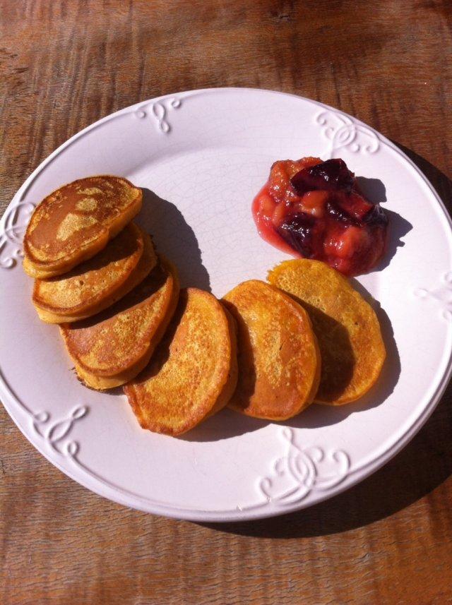 Dyniowe pancakes z lekką konfiturą