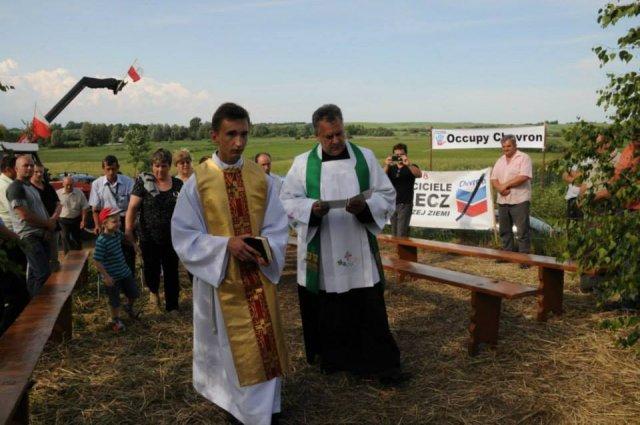 Na miejscu protestu odbyła śię msza polowa połączona z poświęceniem najżyźniejszych w Polsce pól