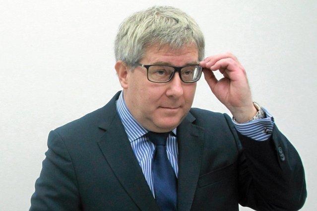 """Ryszard Czarnecki stracił stanowisko wiceprzewodniczącego Parlamentu Europejskiego, ponieważ porównał europosłankę Różę Thun do """"szmalcownika""""."""