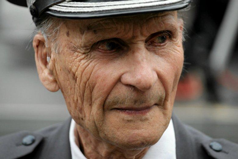 Śledczy z IPN ścigają 101-letniego gen. Ścibora-Rylskiego.