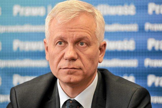 Marek Jurek uważa, że najpierw potrzebne są mediacje polityczne.