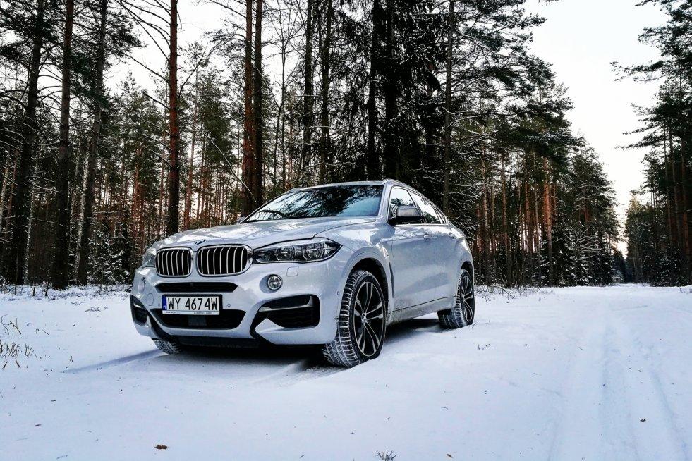 BMW X6 M50d to intrygujące połączenie SUV-a i klasycznego coupe.