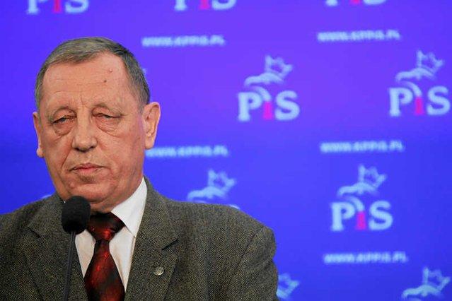 Minister Jan Szyszko wydał oświadczenie w sprawie swoich polowań na bażanty.