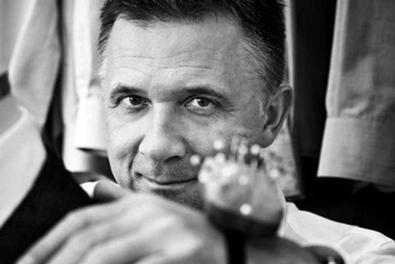 Janusz Bielenia, właściciel najlepszego studia garniturów w Warszawie.