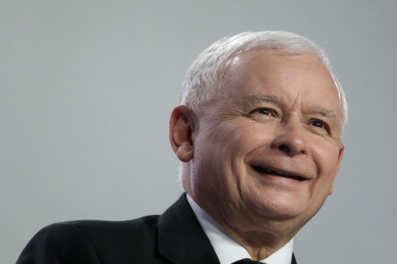 """""""Rewelacje"""" o dziwnym sposobie promocji do ostatniej klasy liceum Jarosława Kaczyńskiego nie są nowością. Poważne pytania budzi fakt, że było to możliwe dzięki PRL-owskiemu kuratorowi oświaty."""