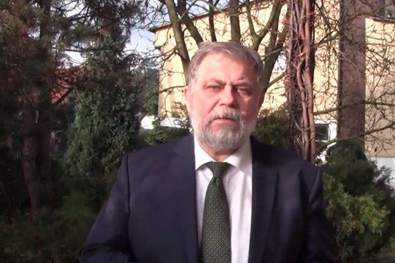 Dotychczas tylko duże miasta miały odwagę zaprosić uchodźców. Burmistrz 16-tysięcznego Julian Kruszyński zaszokował. Nie tylko zaprasza, ale też obiecuje mieszkanie dla imigrantów.  Zaapelował do Beaty Szydło o zmianę polityki wobec uchodźców. – Nie możem