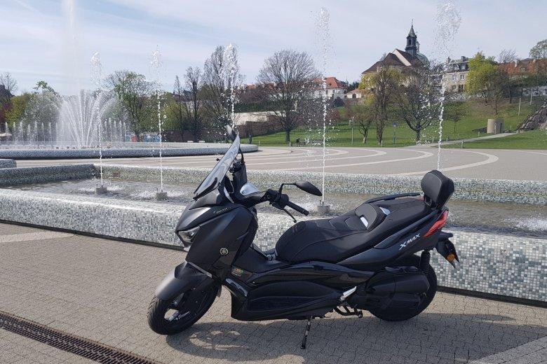 Skuter świetnie sprawdzi się jako środek transportu w mieście.