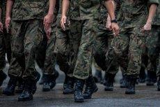 Żołnierze Garnizonu Warszawskiego nie mogą oglądać innych wiadomości jak te z TVP i TVP Info.