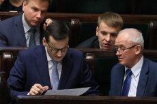 Premier Mateusz Morawiecki i minister energii Krzysztof Tchórzewski w trakcie błyskawicznej sejmowej debaty nad nowelizacją ustawy, która ma zablokować wzrost cen prądu w przyszłym roku.
