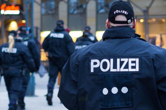 Niemiecka policja zatrzymała sprawcę zamachu na Borussię Dortmund. Okazał się nim 28-letni Rosjanin Siergiej W., który w ten sposób chciał zarobić na akacjach klubu.