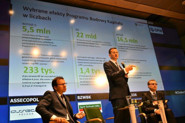 Mateusz Morawiecki mistrz prezentacji, udowodnił Komisji Europejskiej, że finanse kraju są w dobrym stanie.
