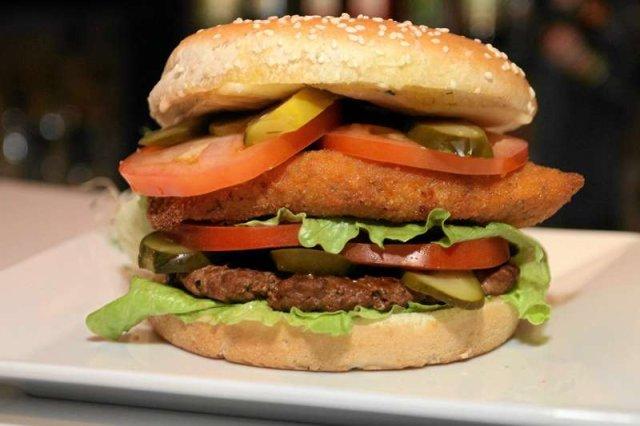Fast good to między innymi liczne burger bary, które sprzedają hamburgery w miarę tanio i szybko, ale z jakościowych produktów
