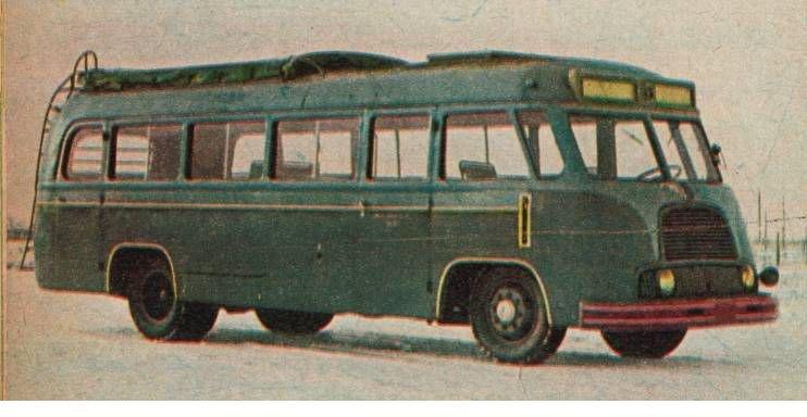 Autobus Star N52 z lat 50-tych produkcji Sanockiej Fabryki Wagonów na podwoziu Star.