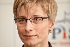 Beata Gosiewska, posłanka PiS w Parlamencie Europejskim, widzi w Donaldzie Tusku i innych znaczących politykach PO morderców męża. Poseł Przemysław Gosiewski zmarł w katastrofie smoleńskiej (2010).