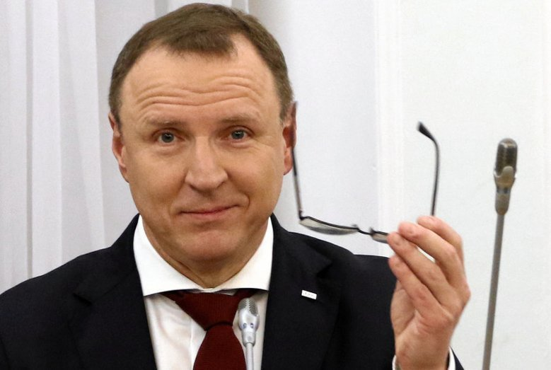 """Zdaniem prezesa TVP w kwestii kontrowersyjnego spotu doszło do """"uchybień warsztatowych""""."""