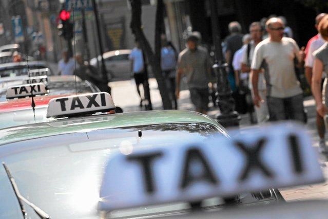 W ramach protestu taksówkarze zakorkują większe polskie miasta.