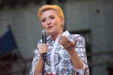 Nauczyciele zapowiadają strajk, domagają się podwyżek. Niektórzy są rozczarowania, że żona prezydenta Agata Kornhauser-Duda, nauczycielka, milczy.