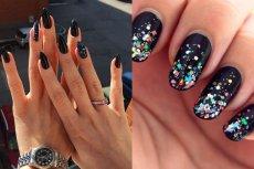 Czerń to hit w stylizacji paznokci. Możemy postawić na klasyczny czarny manicure albo ozdobić go  brokatowymi elementami